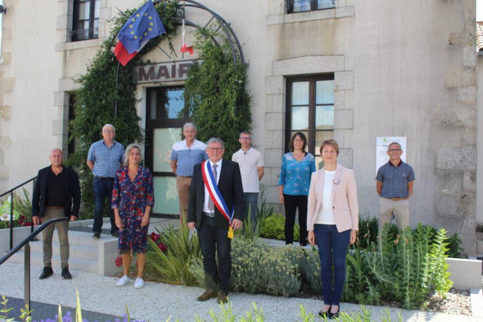 Image : Conseil municipal élu mai 2020 - Montréverd